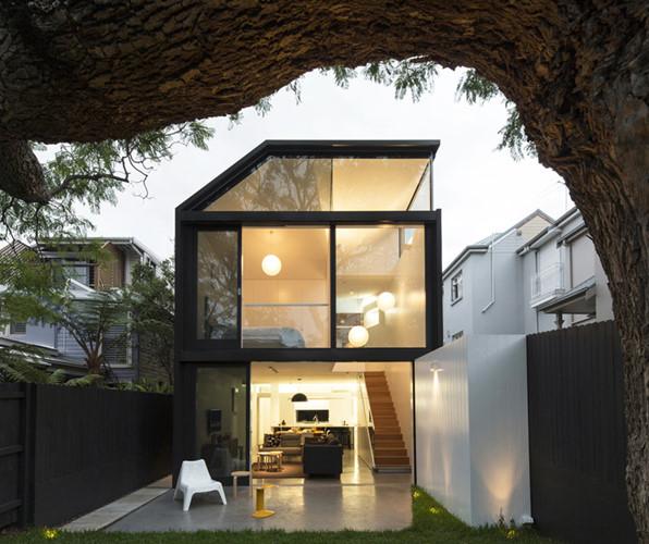 xây nhà bằng kính cường lực